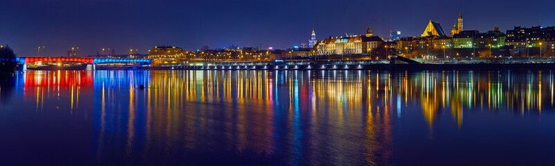 Panel SzklanyWarsaw, Poland - March 21, 2017: Great panoramic night view of the center and the Old City of Warsaw from the right bank of the Vistula River