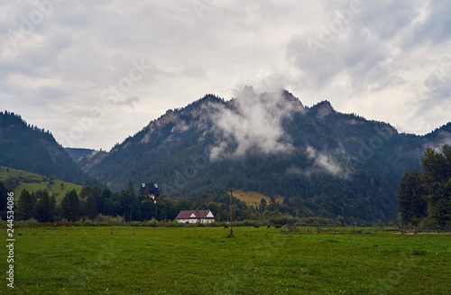 Spoed Foto op Canvas Grijze traf. Beautiful panoramic view of the Pieniny National Park, Poland, in rainy and foggy september day