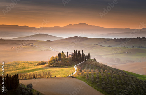 Foto op Canvas Toscane Tuscan villa at dawn, San Quirico d'Orcia, Tuscany, Italy