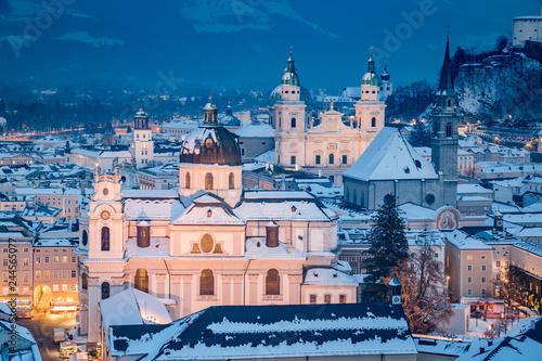 In de dag Centraal Europa Salzburg at Christmas time in winter, Austria