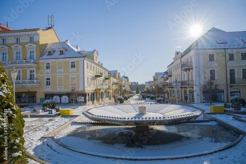 Stampa su Tela Snow winter in the center of the small spa town Frantiskovy Lazne (Franzensbad)