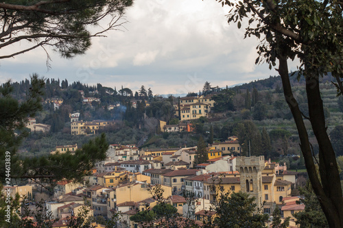 Fotografía  Typical Tuscany landscape with typical houses on a hill, Italy.