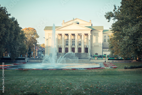 In de dag Theater Poznan, Poland - October 12, 2018: Park with fountain before Great Theater of Stanisław Moniuszko in polish city Poznan