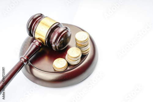 Photo  Wood gavel with legal law concept.