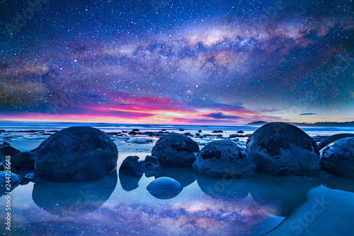 Milkyway at boulder moeraki, New Zealand Canvas Print