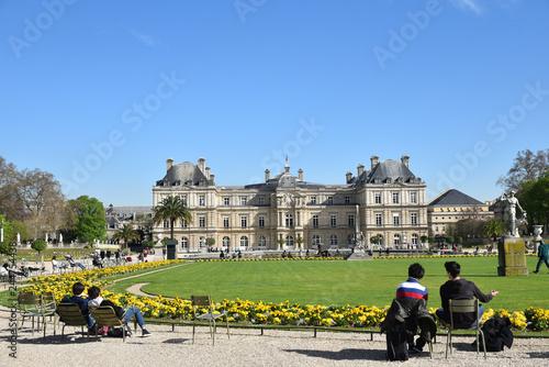Jour de printemps au jardin du Luxembourg à Paris, France Fototapeta