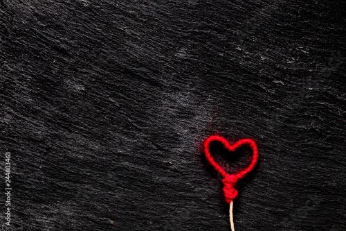 Coeur rouge sur fond ardoise Wallpaper Mural