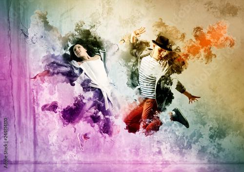 Fototapety Taniec  beautiful-young-couple-in-dance-studio