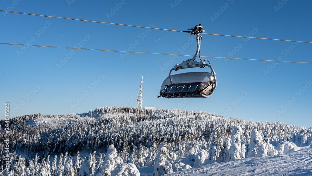 Fototapety, obrazy: Wyciąg Narciarski- Skrzyczne- kolejka górska
