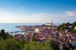 Piran – Pirano / Slowenien / Istrien. Blick auf die St. Georgs-Kathedrale, Altstadt und das Adriatische Meer
