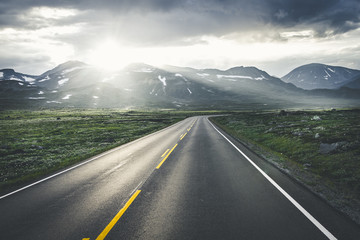 A road strething endlessly somewhere in Norway