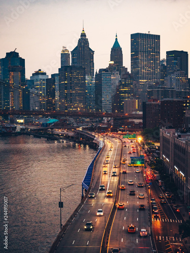 Foto op Plexiglas New York City View of the Manhattan Bridge and skyscrapers in New York