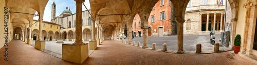 Fotografie, Obraz  Ascoli Piceno, Cattedrale, chiostro maggiore a 360 gradi
