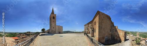 Fotografie, Obraz  Castignano, piazza con chiesa romanica a 360°