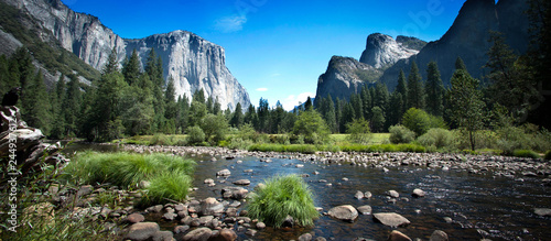 California (USA) - Yosemite National Park Wallpaper Mural