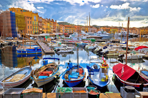 Canvas-taulu Colorful harbor of Saint Tropez at Cote d Azur view