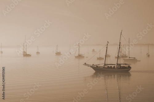Tuinposter Centraal-Amerika Landen Sail boats in the fog in St Augustine