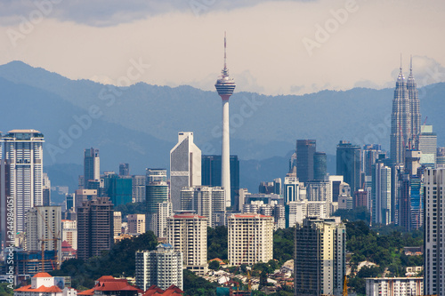 Papiers peints Xian Panorama cityscape view in the middle of Kuala Lumpur city center, day time, Malaysia.