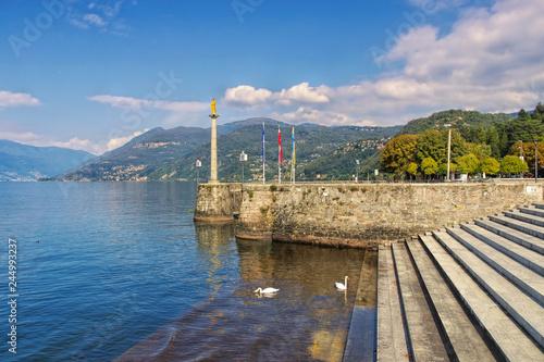 Fototapeta  Luino am Lago Maggiore in Norditalien - Luino on Lago Maggiore in northern Italy