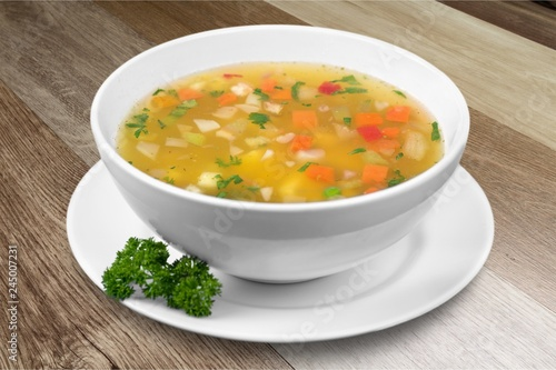 Crédence de cuisine en verre imprimé Cuisine Vegetable soup isolated on a white background