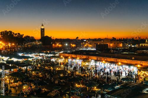 Staande foto Marokko Marrakesh (Morocco). Jemaa el-Fnaa square (market place) in the evening.