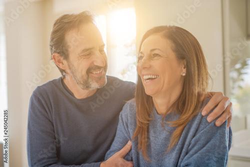 Fotografia  Romantic middle age couple in love at home