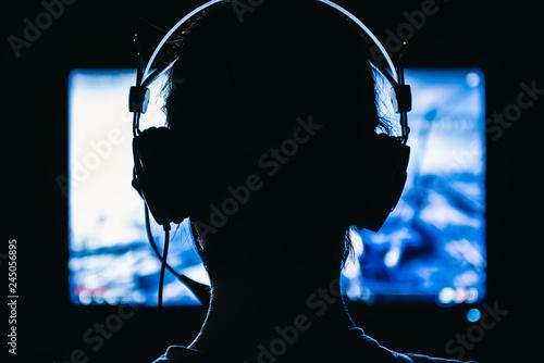 Fototapeta  Woman playing video games