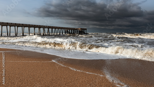 Fototapety, obrazy: Sea pier in inclement stormy weather