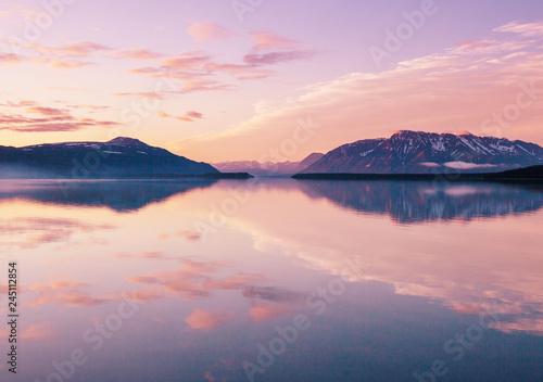 Fotografía  Lake in Alaska