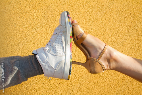 Photographie Legs wearing ballroom and hip hop dancing shoes