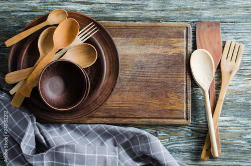 Fotomural Simple rustic kitchenware against vintage wooden background.