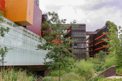 Obraz Paris France, 10-09-2018. Exterior of the  museum Jacques Chirac at quai Branly, Paris France. - fototapety do salonu