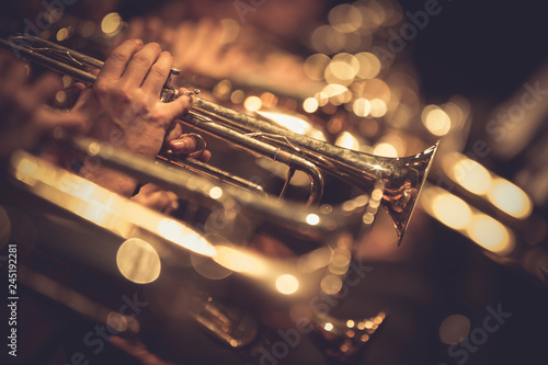 Fototapety muzyka  trompetas-al-aire