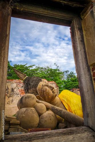 Deurstickers Asia land Reclining Buddha, Wat Phutthaisawan temple, Ayutthaya, Thailand