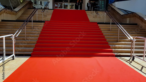 Photo Red carpet on stairs, event for famous people, international award ceremony
