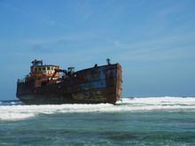 座礁船/コロンビア