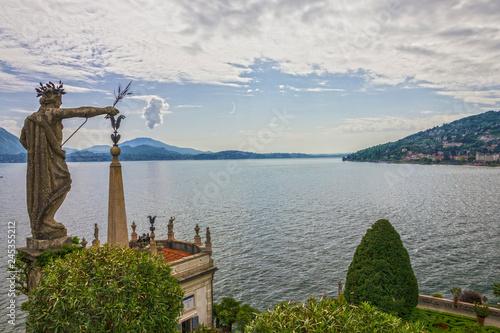 Foto  Stresa, Italy: Lake view. Lombardy, Isola Bella island
