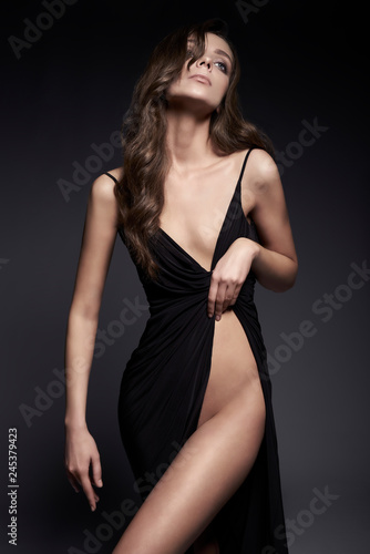Küchenrückwand aus Glas mit Foto womenART Fashion photo of beautiful lady in black dress.