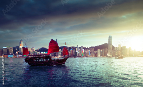 Foto op Canvas Aziatische Plekken Hong Kong harbour in sunset time