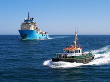 Harbour Pilot Boat Underway Es...