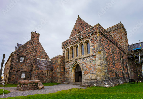 Fotografiet Iona Abbey Including Newer Construction