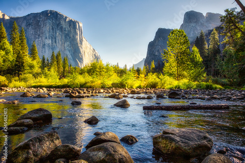 Obraz Sunrise on Yosemite Valley, Yosemite National Park, California - fototapety do salonu