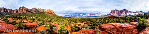 Tuinposter Arizona Panorama of Cathedral Mountain and Munds Mountain Wilderness between the Village of Oak Creek and Sedona in northern Arizona in Coconino National Forest, United States of America