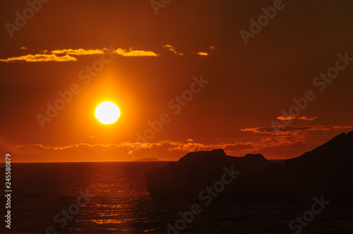 Foto op Plexiglas Rood paars Sunset over the Weddell Sea