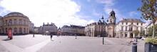 Panoramique De La Place De La Mairie