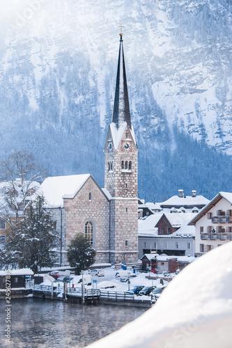 In de dag Centraal Europa Hallstatt church tower during winter sunrise, Salzkammergut, Austria