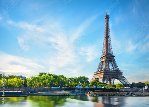 Photo Stands Eiffel Tower Seine in Paris