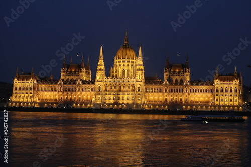 Fotografia  Budapest, hungarian parliament