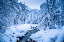 Winter Wonderland With River B...