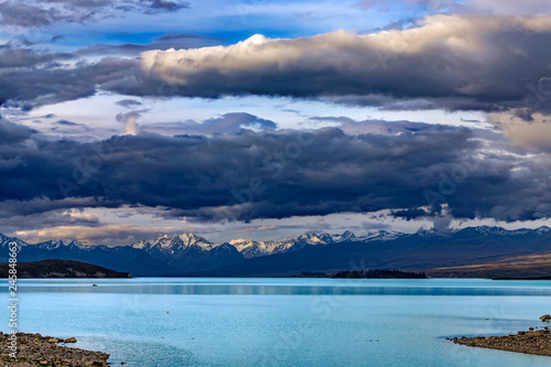 Foto op Plexiglas Oceanië New Zealand, South Island. Lake Tekapo and Southern Alps in the background
